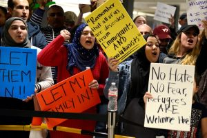 Protesters at Airports in the U.S. | Business Aviation News